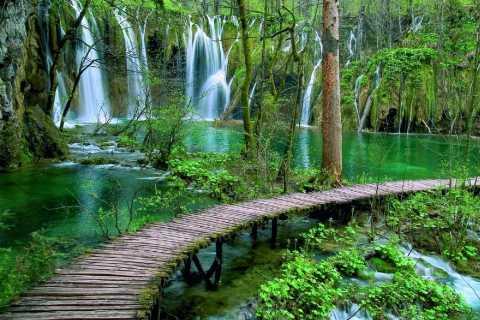 De Split/Trogir à Zagreb: transfert privé, lacs de Plitvice