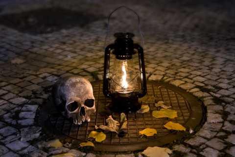 Prague Ghost Tour: Dark Shadows of the Old Town