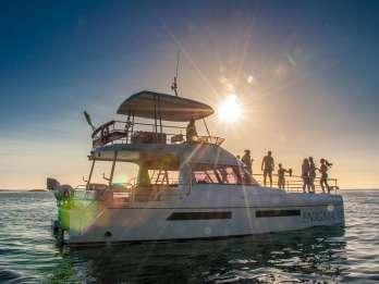 Kapstadt: Sonnenuntergangs-Bootstour Abendessen & Champagner