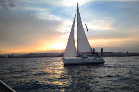 3-stündiges Segelerlebnis bei Sonnenuntergang in Barcelona