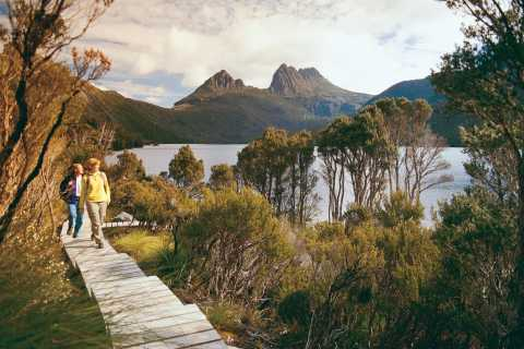 Cradle Mountain: Dove Lake Circuit Walk