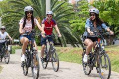 Medellín: City Tour de bicicleta elétrica com frutas e café