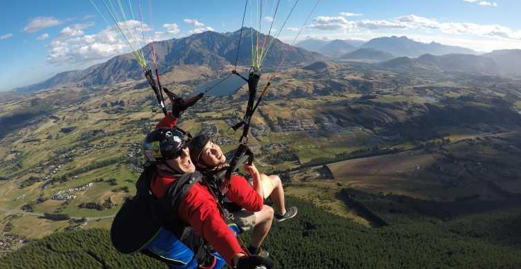 Queenstown: Summer Tandem Paragliding