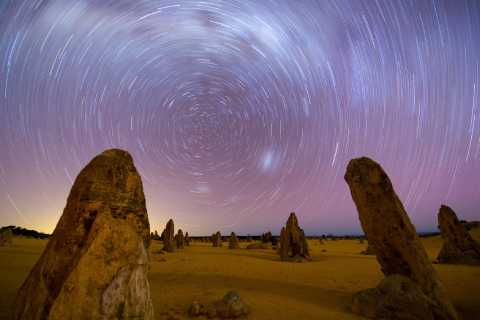 Perth: Pinnacle Desert Sunset and Stargazing with Dinner