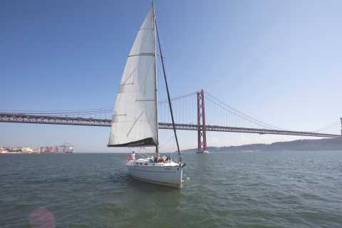 Tour di vela privata di 1 ora a Lisbona