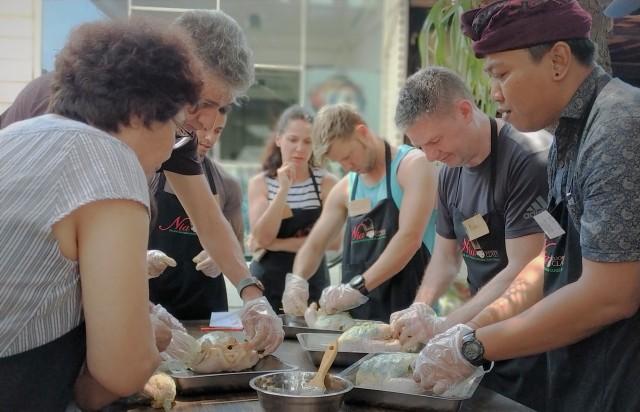 Seminyak: Balinese Cooking Class & Market Tour