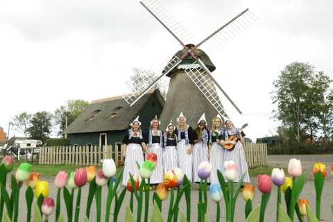 Picture in Volendam Costume with Cheese and Clog Tour