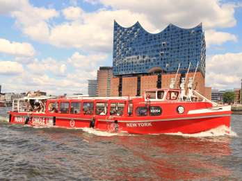 Hamburg: 1-Tages-Hop-On/Hop-Off-Bootsfahrt & Live-Kommentar