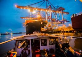 Wat te doen in Hamburg - Haven van Hamburg: boottocht in het avondlicht