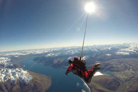 Queenstown: 9,000 Feet Tandem Skydive Over Lake Wakatipu