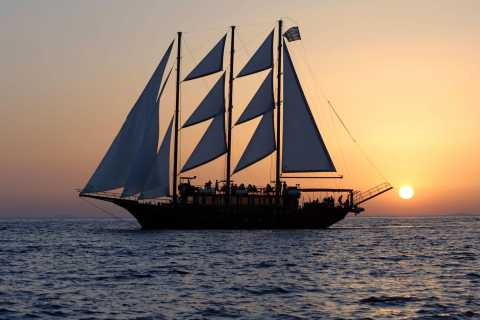 Santorini: Volcanic Sunset Cruise