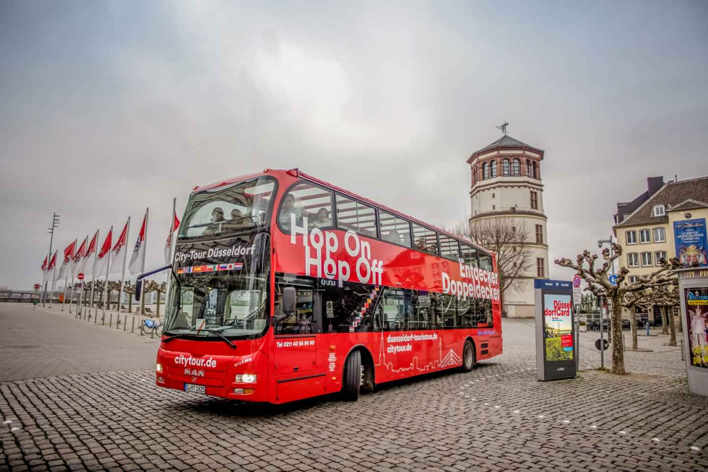 Düsseldorf Hop-on-Hop-off-Stadtrundfahrt