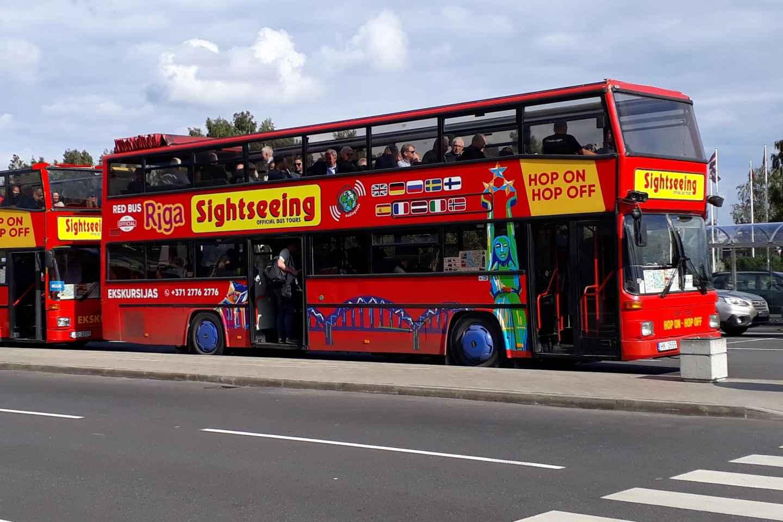 Riga: Tour im Hop-On/Hop-Off-Bus