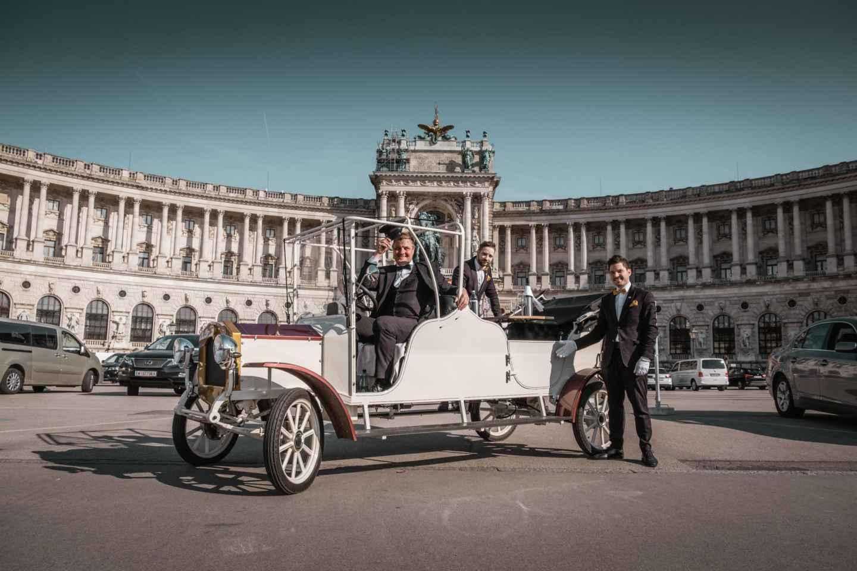 Wien: Historische Sightseeing-Tour im Elektro-Oldtimer