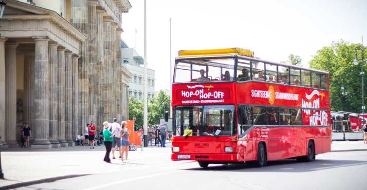 Berlin: Red Sightseeing Hop-On-Hop-Off Bus with Boat Option