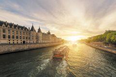 Luzes de Paris: Passeio de Barco de 1 Hora