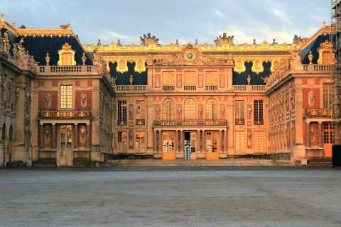 From Paris: Small Group Tour to Giverny & Versailles
