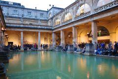 Banho: City Walking Tour com entrada opcional para banhos romanos