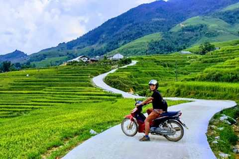 Motorcycle Tour Around Sapa: Meet the Locals