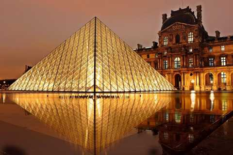 Paris: Louvre by Night Skip-the-Ticket-Line Guided Tour