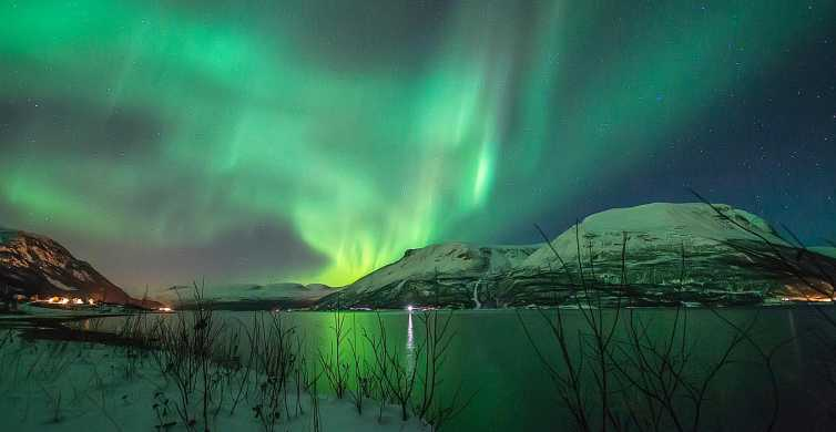 Tromso: 6 to 8-Hour Northern Lights Chase with Photos