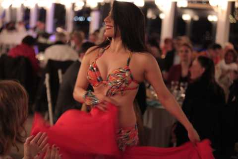 Bosphorus: Dinner Cruise with Live Performances Experience