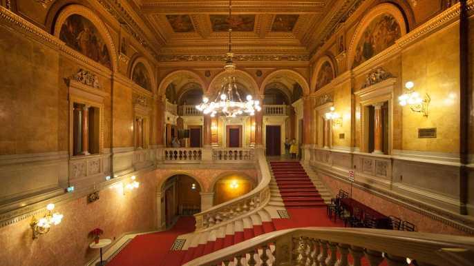 Budapest: tour a pie 1,5h, visita a la Ópera, mini concierto