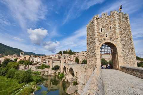 Barcelona: Full-Day Medieval Guided Tour with Lunch