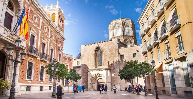Valencia: Essentials and World Heritages Sites Walking Tour