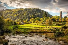 Excursão de Meio Dia Glendalough e Wicklow saindo de Dublin