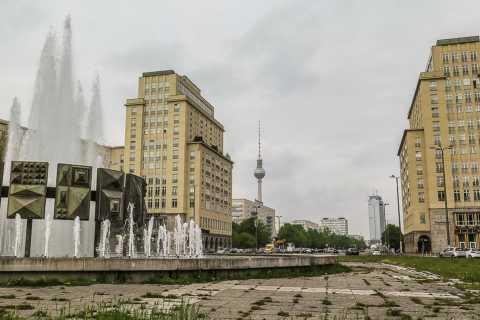 Berlin Walking Tour: Risen From Ruins