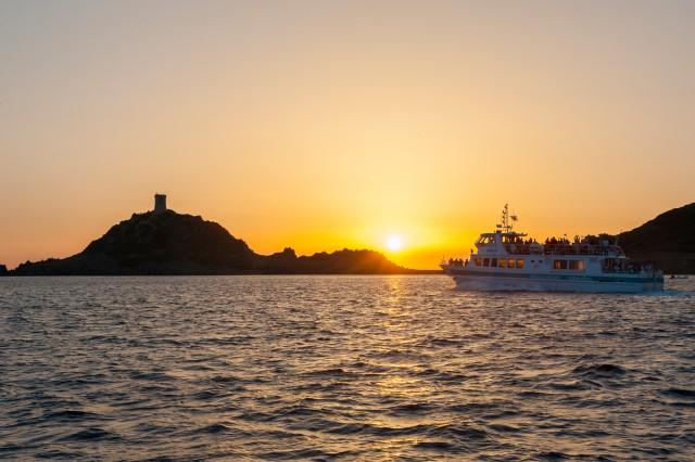 Bild Ajaccio/ Portico: Sonnenuntergang-Bootstour & Weinverkostung