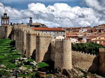 Ab Madrid: Tagestour nach Segovia, Ávila und Toledo