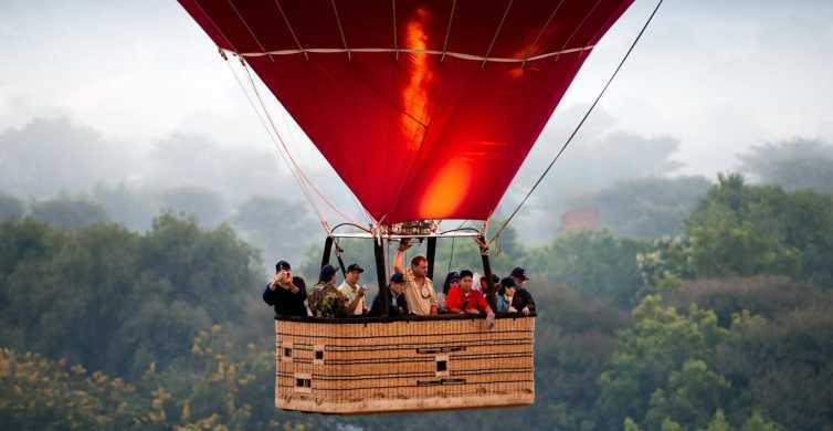 Segovia: globo aerostático, tour y comida ibérica