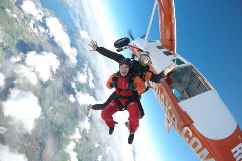 Wanaka: Tandem Skydive Experience 9,000, 12,000 or 15,000-ft