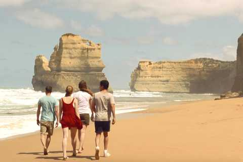Oceans to Islands: 2-Day Ocean Road & Phillip Island Tour