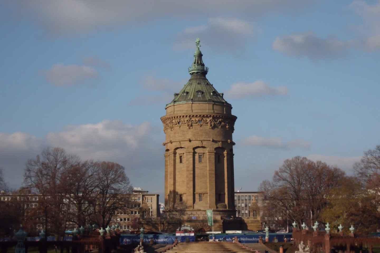 Mannheim: Kriminal-historische Tour mit kostümiertem Guide