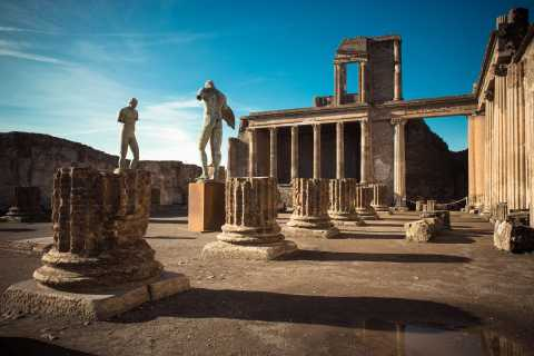 Naples and Pompeii: Full-Day Tour from Rome with Lunch