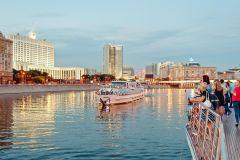 Moscou: Cruzeiro de Luxo de 2 Horas e Meia e Jantar Opcional