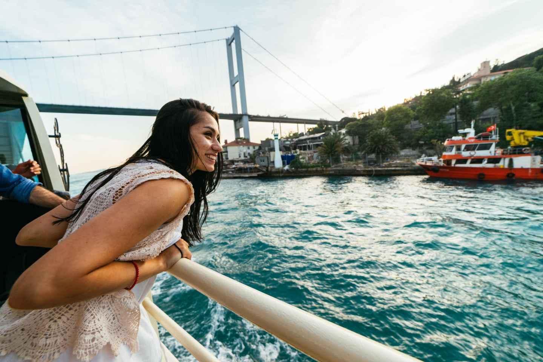 Istanbul: Hop-On/Hop-Off-Bootstour auf dem Bosporus
