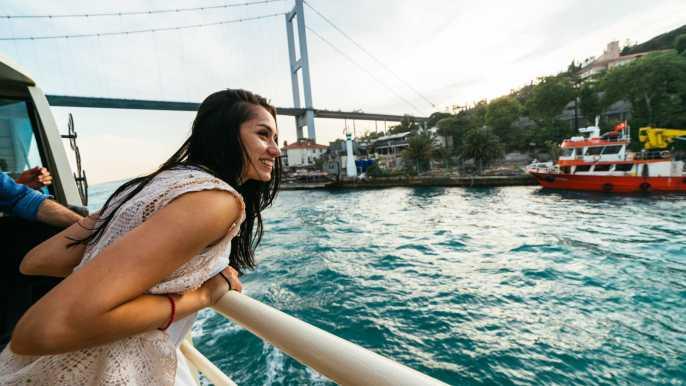 Estambul: crucero turístico por el Bósforo con app de audio