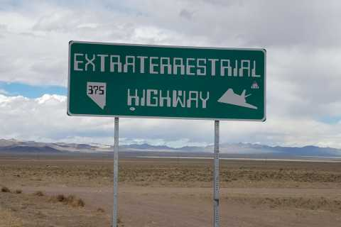 Las Vegas: Area 51 Day Tour with German Guide
