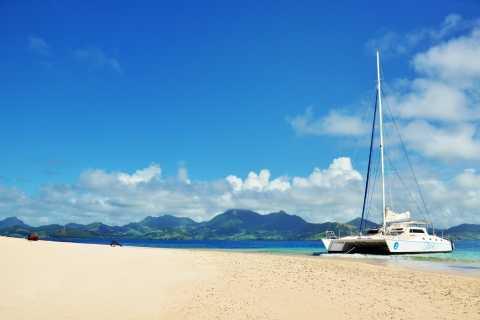 Ile aux Cerfs: Private Day Cruise
