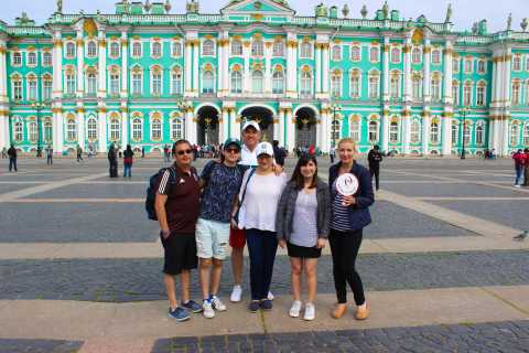 St Petersburg: Hermitage Skip-the-Line Admission with a Host