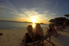De Phuket: Ilhas Phi Phi ao Nascer do Sol com Almoço