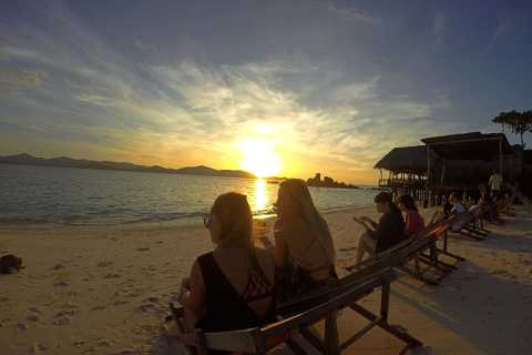 From Phuket: Phi Phi Sunrise Small Group Tour & Lunch Buffet