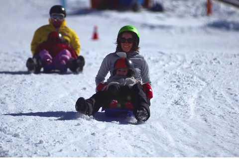 Santiago: El Colorado Ski Center Snow Day Tour
