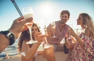 Barcelona: Segeltour mit Freunden auf einem privaten Boot