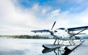Vancouver: Alpine Lakes & Glaciers Seaplane Tour