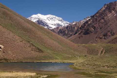 Mendoza: High Mountain and Aconcagua Park Tour with BBQ